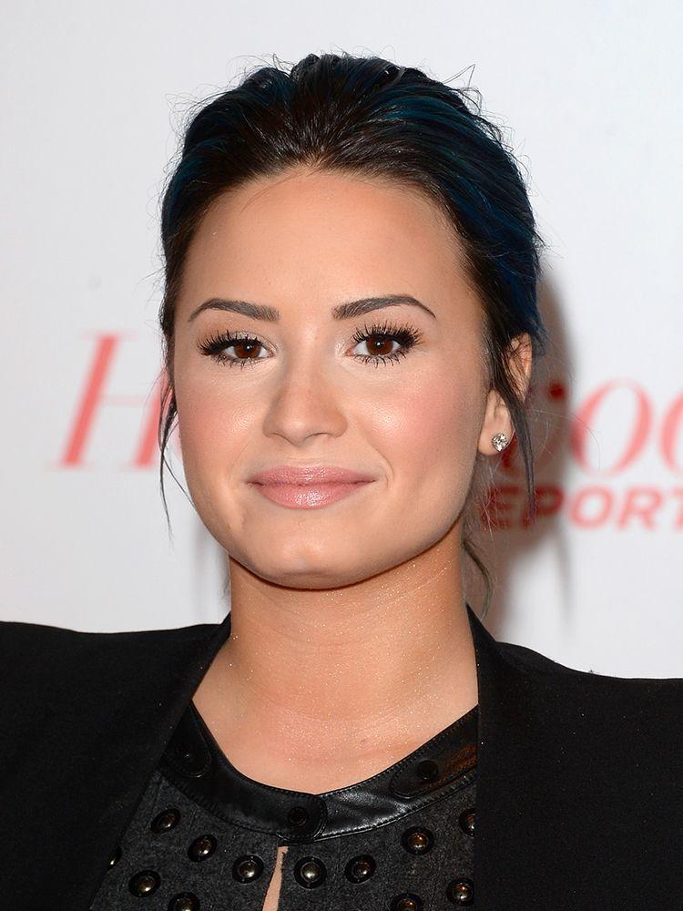 Get the look of Demi Lovato Ottieni l'effetto Demi Lovato  con WYCON cosmetics in pochi e semplici step