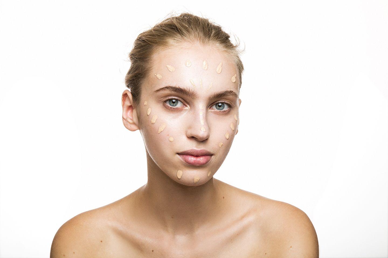Pelle effetto naturale: come creare una base viso perfetta in 3 mosse! I consigli di Wycon Cosmetics per una pelle compatta, uniforme e luminosa